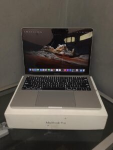 Jual Laptop Bekas MacBook Pro MPXR2 2017 Surabaya